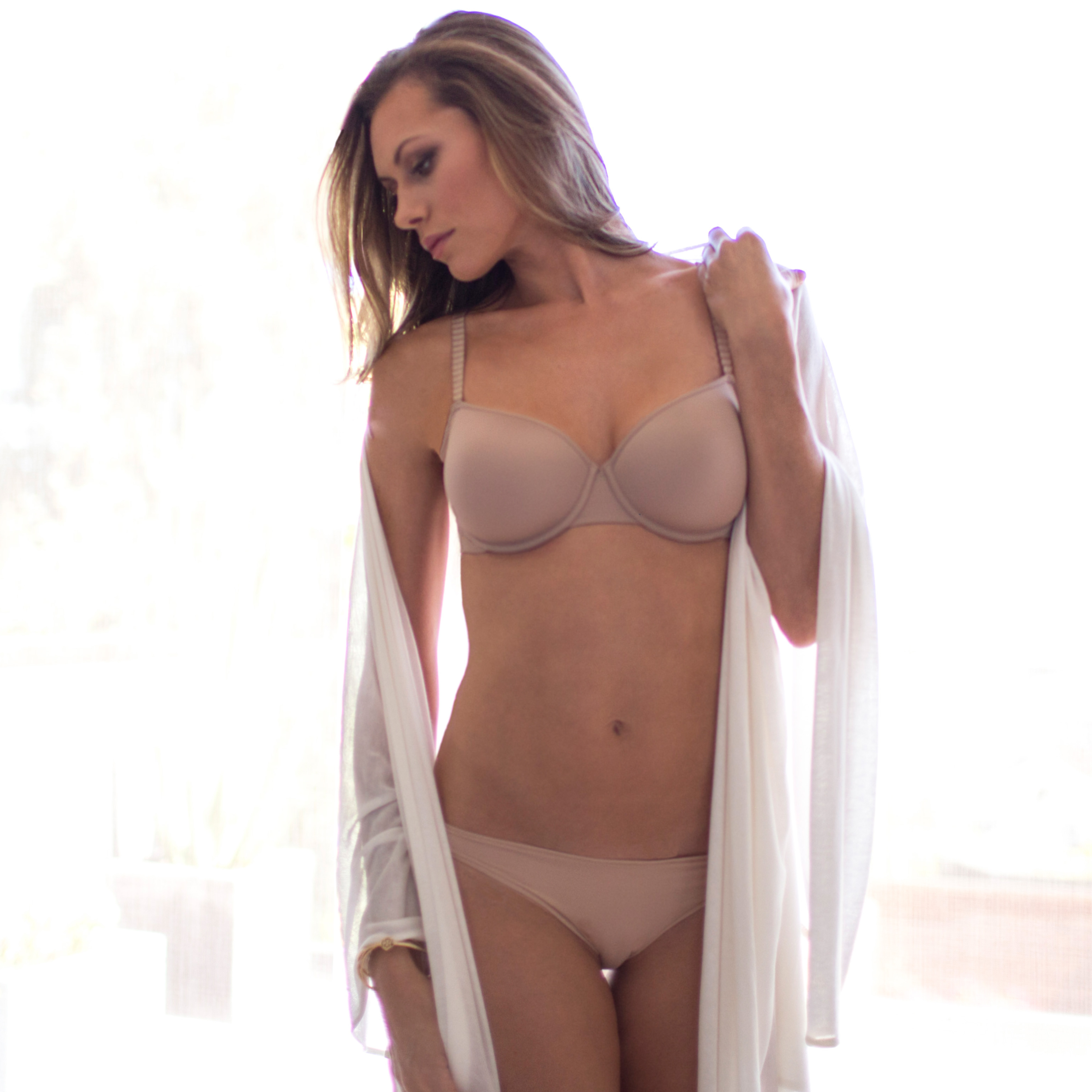 Tee shirt bra in Nude Lifestyle