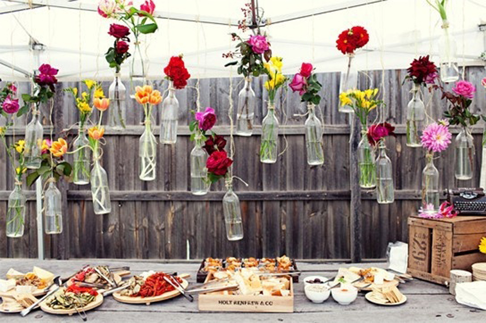 How To Throw A Chic And Cheap Backyard Party