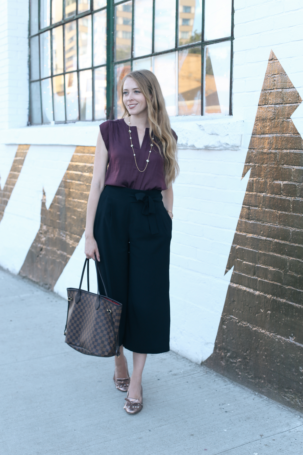 casual friday outfit ideas lv neverfull (1 of 4)