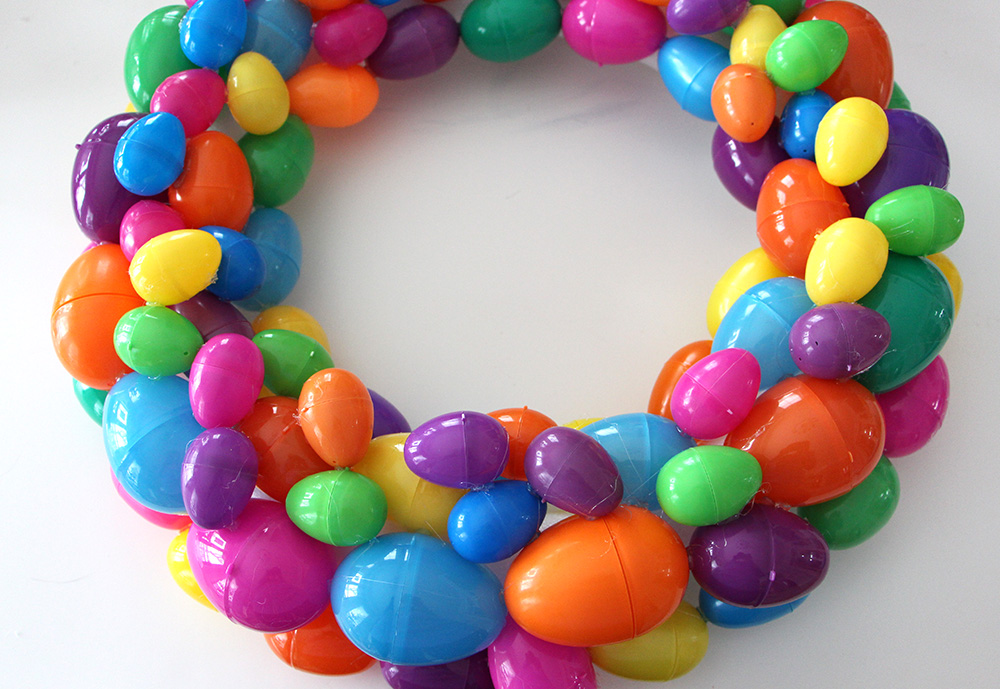 completed egg wreath
