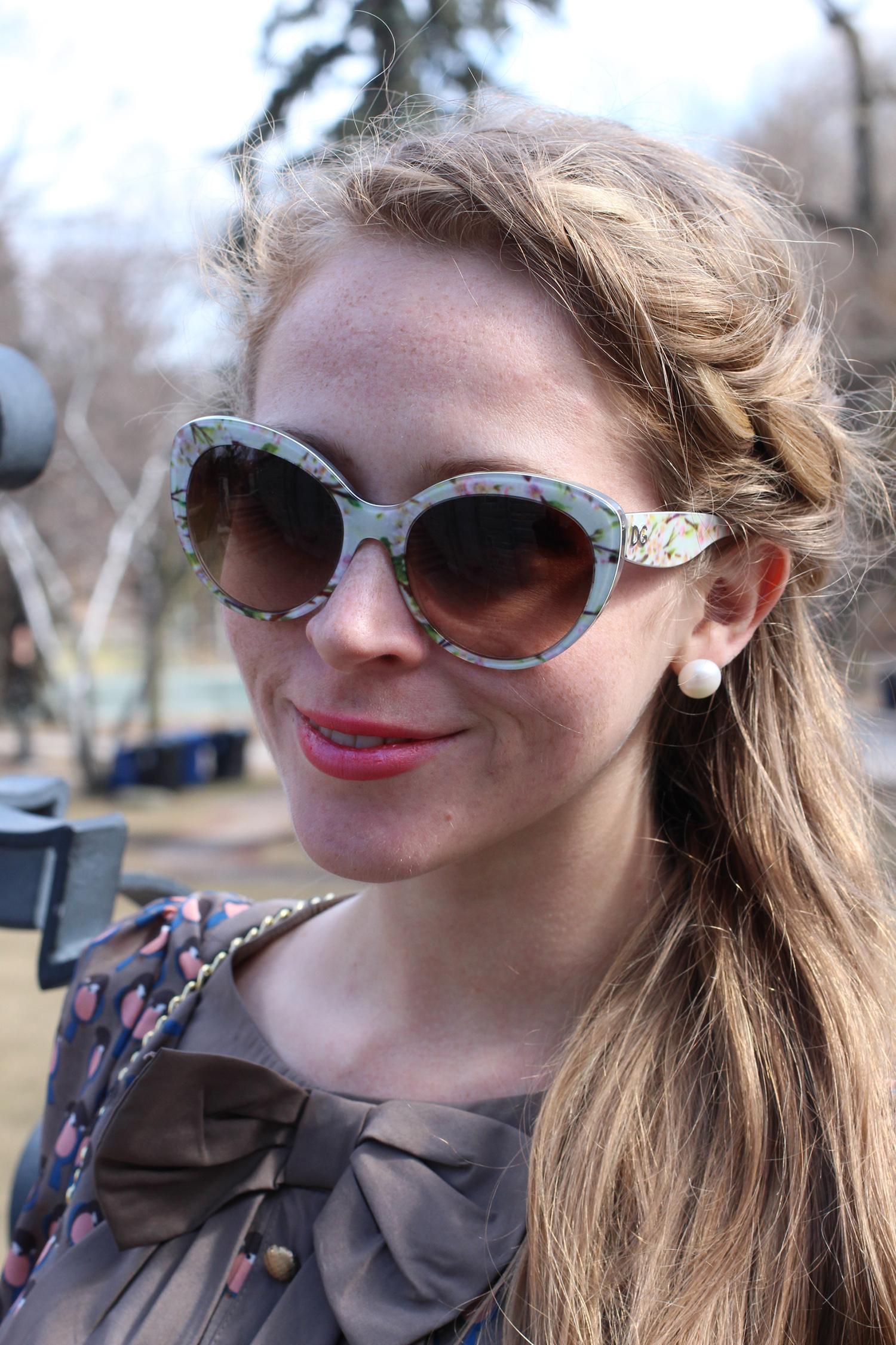dolce and gabbana almond flower sunglasses