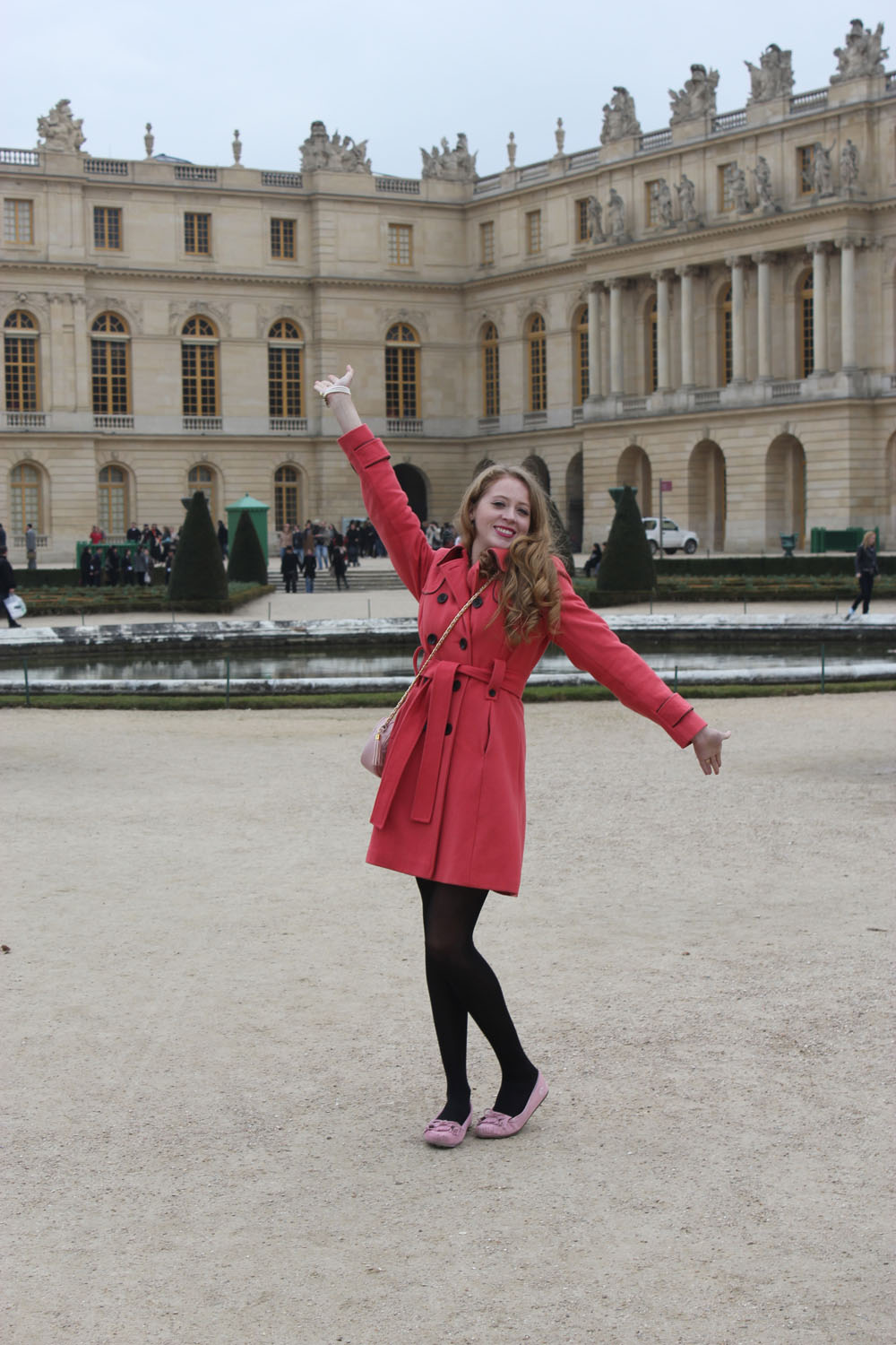 happy in versailles