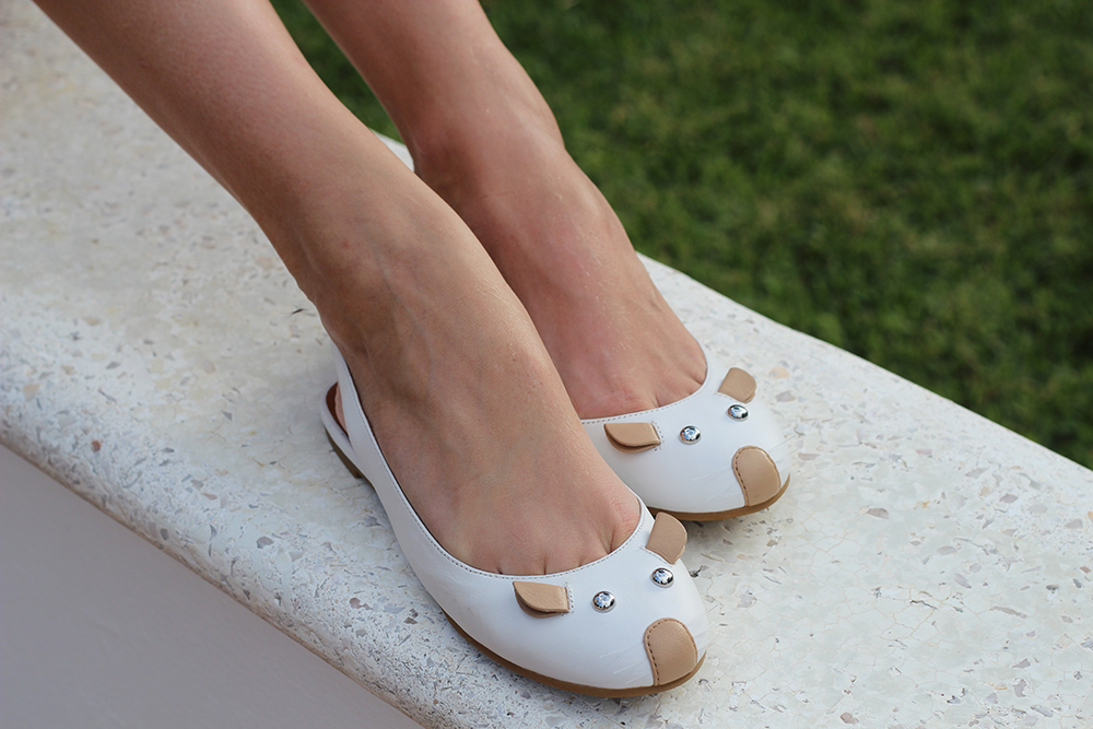 marc by marc jacobs white mouse flats