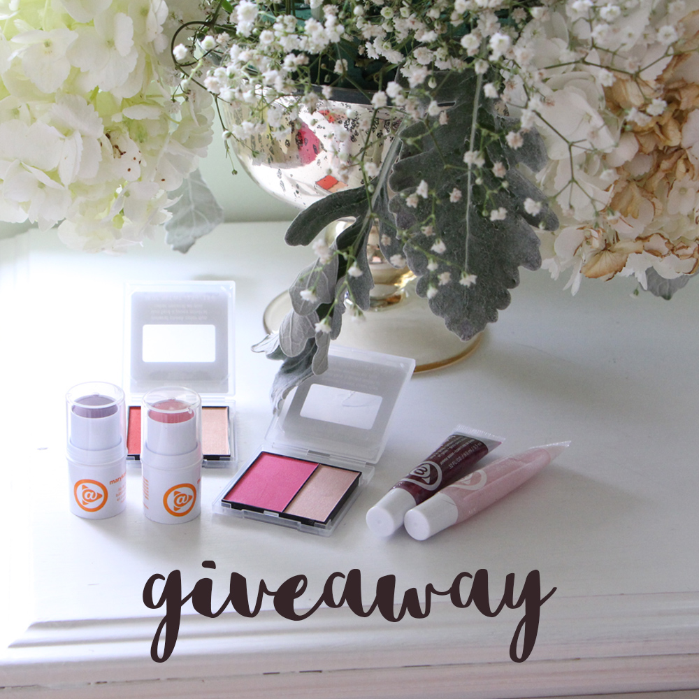Mary Kay Summer 2015 collection + Giveaway