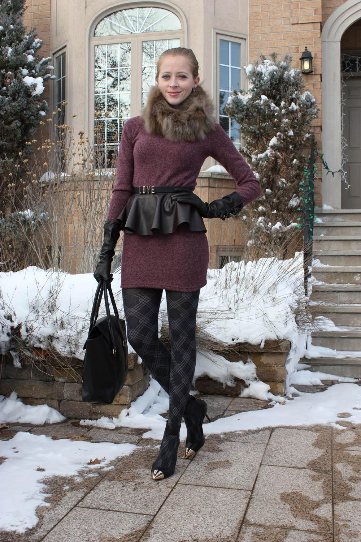 mauve dress and black accessories