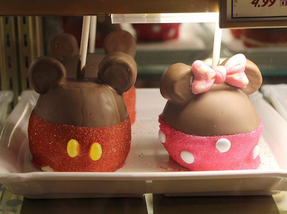 mickey and minnie mouse candy apples
