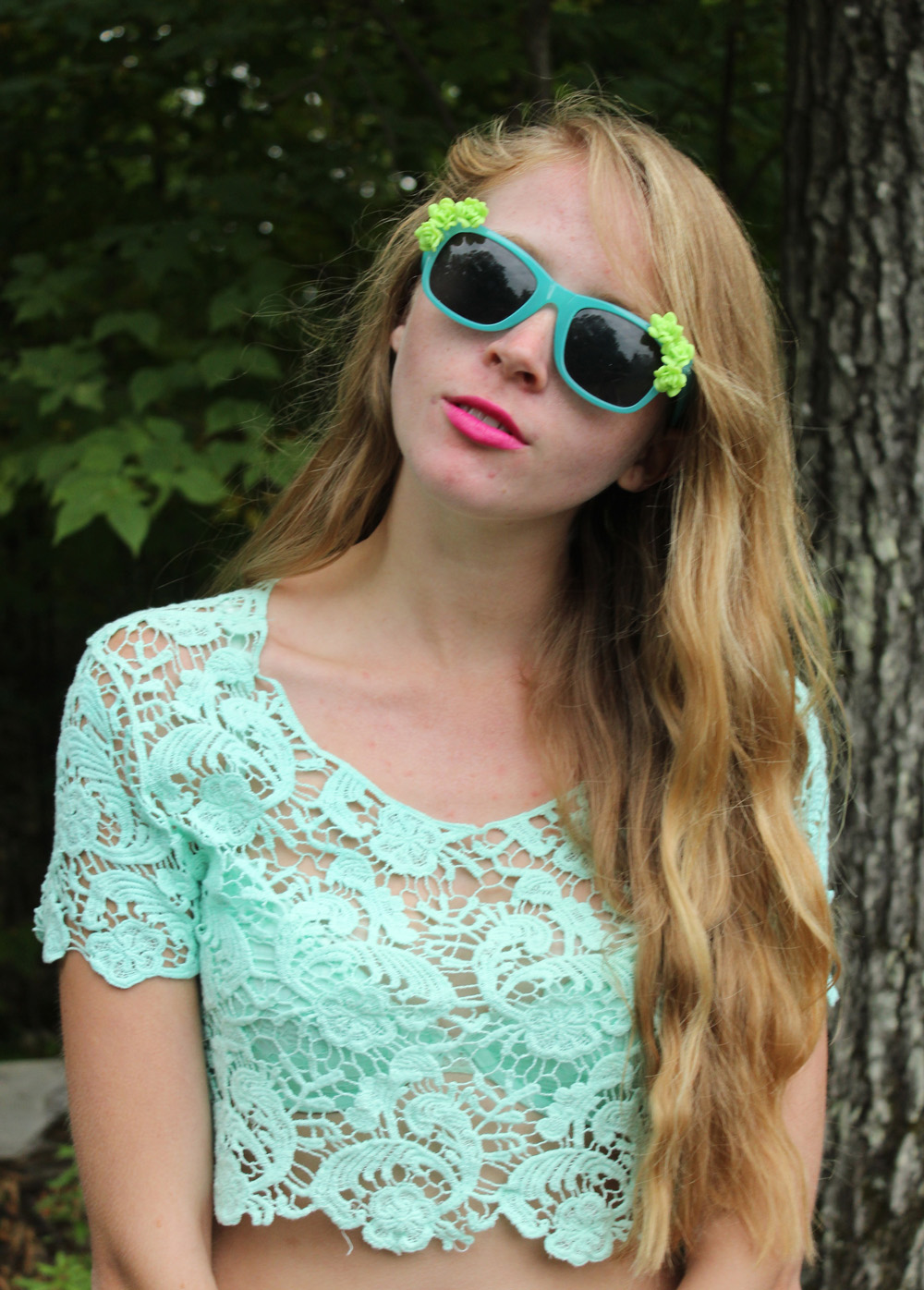 mint shirt lace and sunglasses