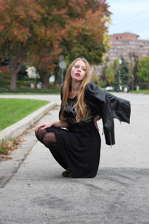 stupid fashion blogger pose