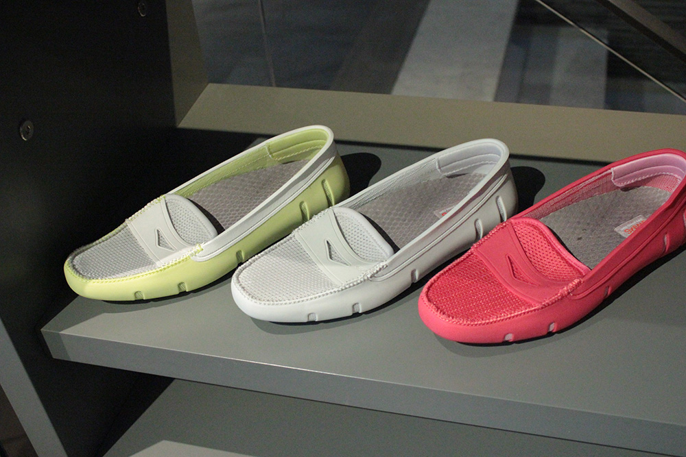 swims womens loafer