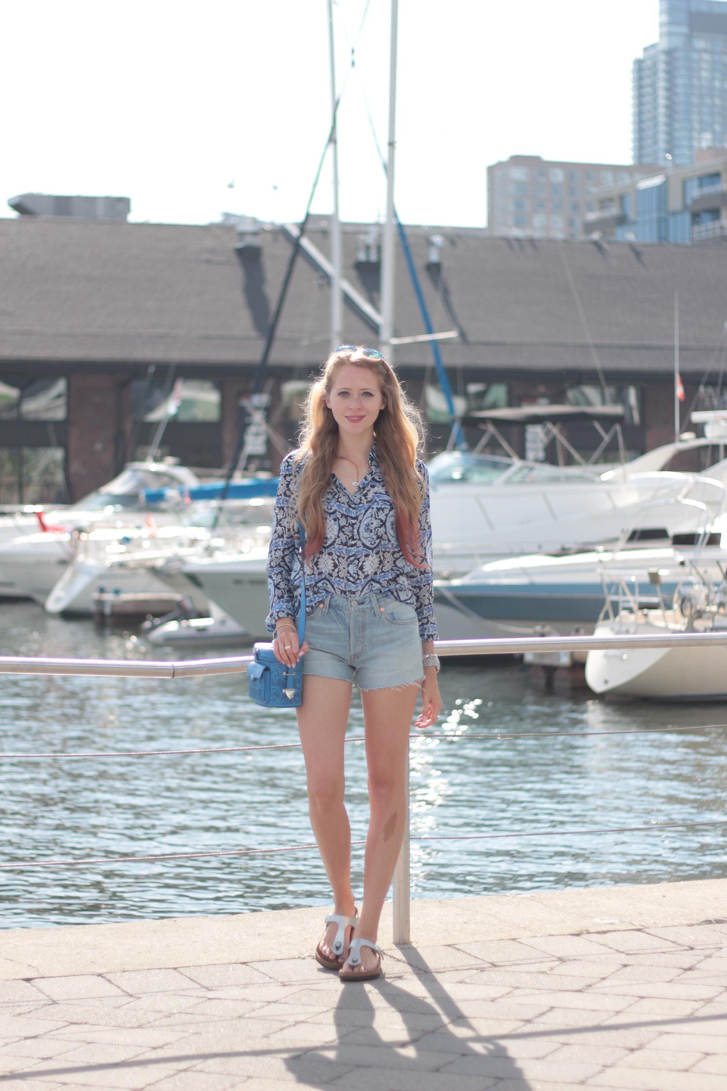 toronto harbourfront levi's cut off shorts
