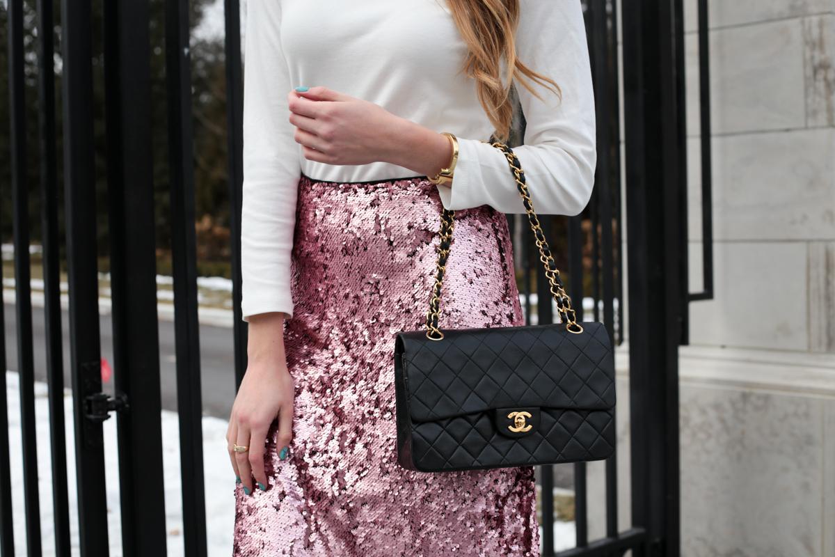 turtleneck pink sequin skirt chanel bag (6 of 8)