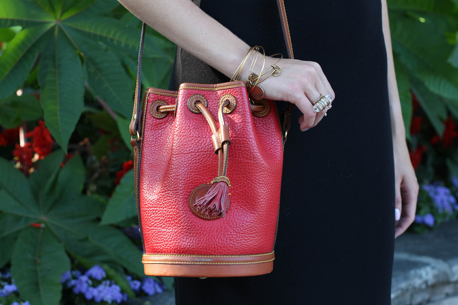 vintage dooney and bourke bucket bag