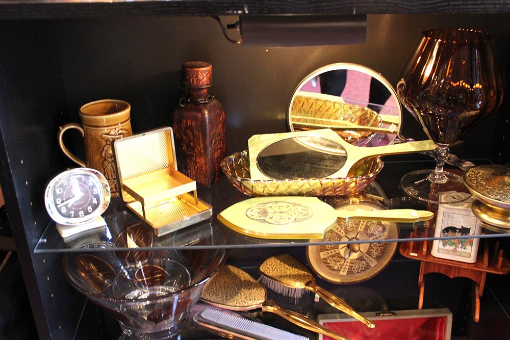 vintage trinkets hand mirrors