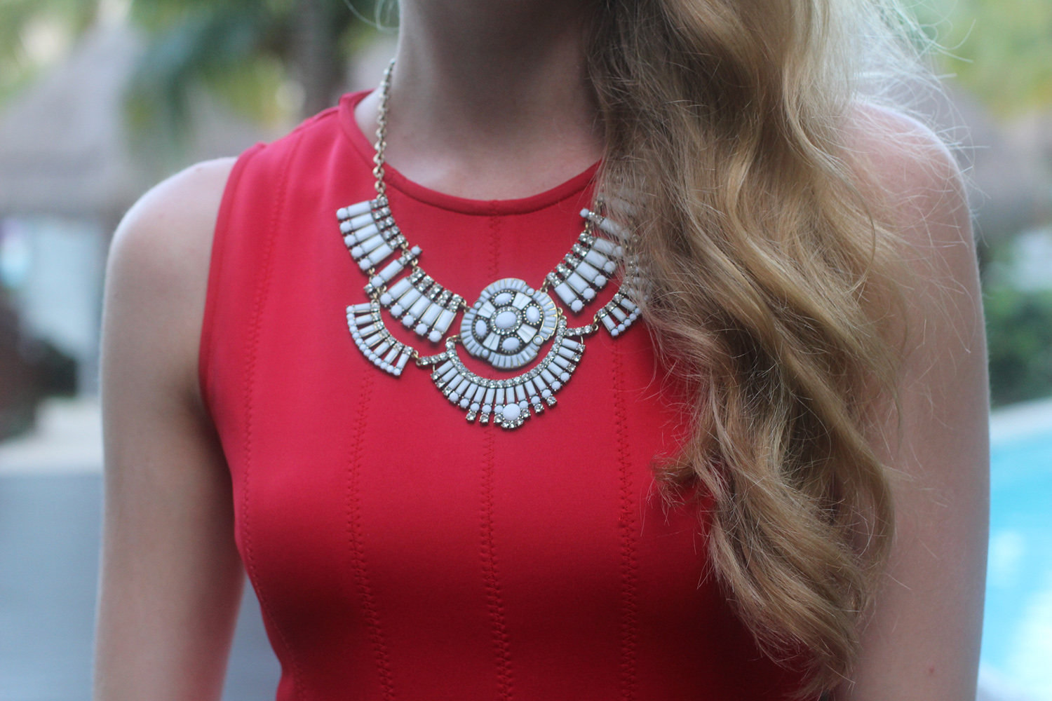 white jewelmint statement necklace