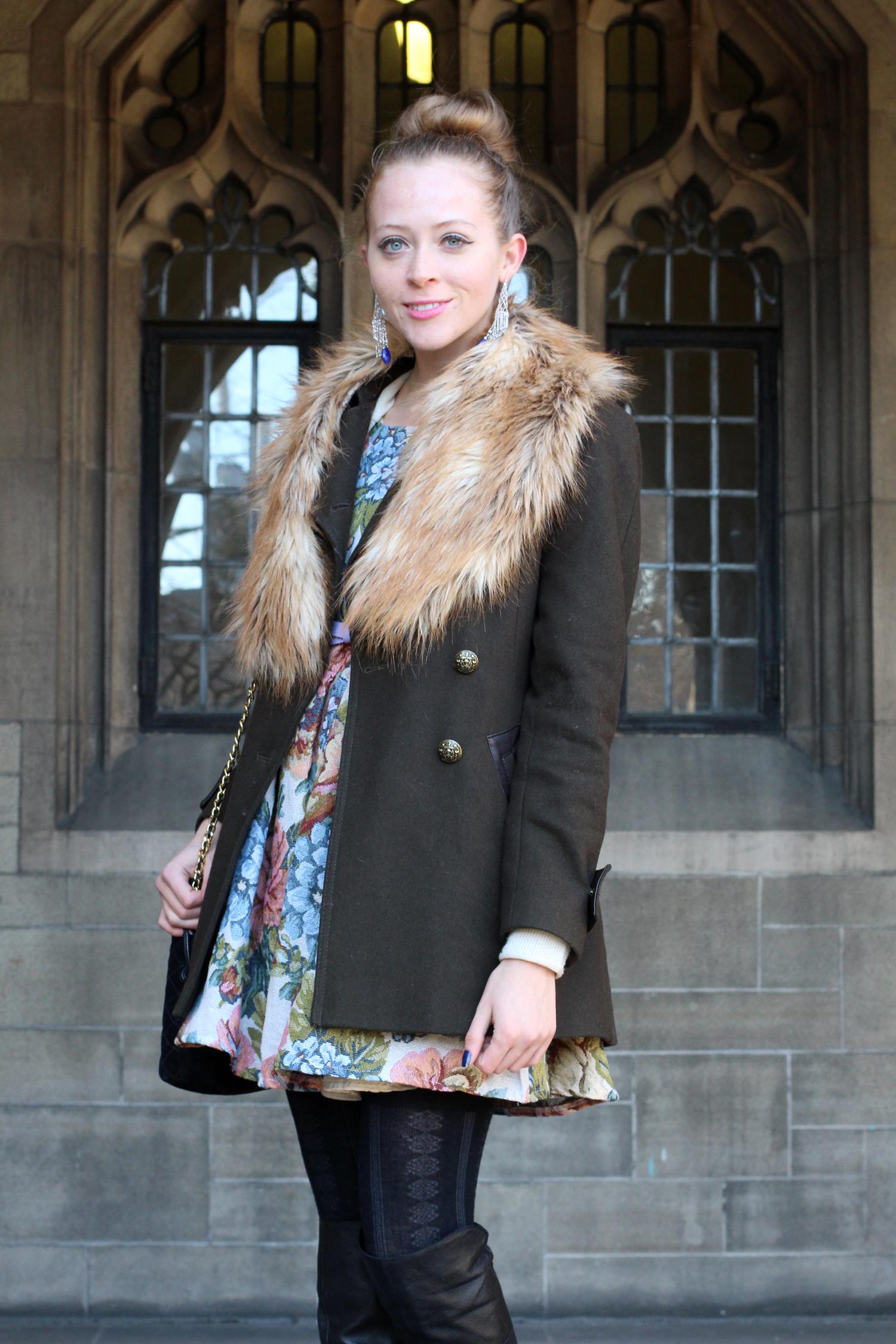 wool coat faux fur scarf