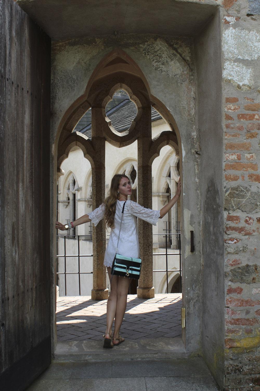 zvikov castle doorway