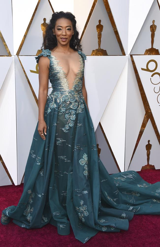 Best & Worst Dressed 2018 Oscars | Red carpet style and trends